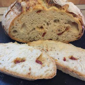 Bazsalikomos, aszalt paradicsomos kovászos kenyér - Grill-Ázs